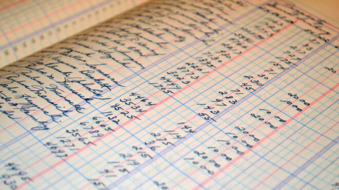 5 Reasons Your Accountant Should be Managing Your Books